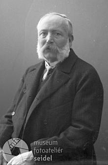 Zpráva českobudějovického německého listu o přísaze nového starosty Knappa, jehož se stal Schönbauer v roce 1940 neplaceným zástupcem - je tu opakovaně zmíněn i Dr. Oskar Maschek