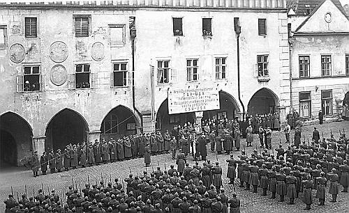 Krumlov pod hvězdnatou vlajkou - přehlídka americké a československé armády v roce 1945