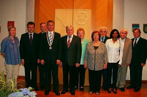 V roce 2010 byli Siegfried a Günter Schröpferovi oceněni medailí za dlouholetý příspěvek k blahobytu a reputaci komunity Mudau