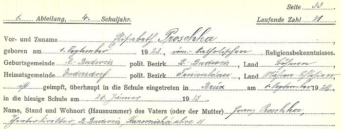 ... z třídního výkazu plyne, že tam nastoupila v lednu 1933 a v červnu 1933 už končila; před tím chodila do školy v Mostě (od září 1929) a také ve Vídni