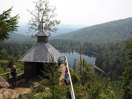 Kaple na Roklanu a Roklanské jezero