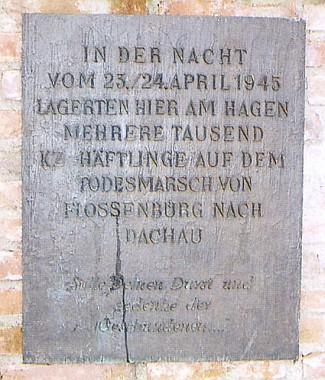 ... a ve Straubingu, kde jich tisíce při témže pochodu smrti tábořily v noci z 23. na 24. dubna 1945
