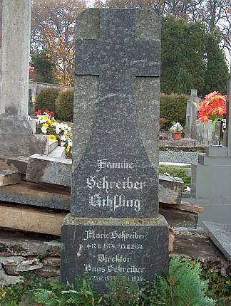 Náhrobek na volarském hřbitově