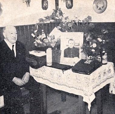 Snímek z oslavy jeho osmdesátin v prosinci roku 1970, necelých 10měsíců, co mu zemřela žena Franziska