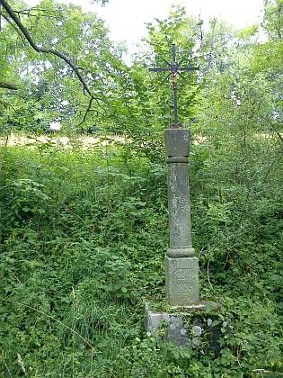 ... a kříž při cestě