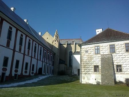 Malý a velký konvent zlatokotunského kláštera a klášterní kostel Nanebevzetí Panny Marie