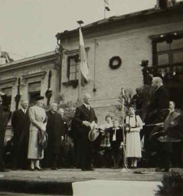 Starosta Schützner vítá  7. května 1937 prezidenta Beneše v Kaplici