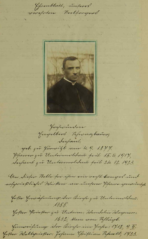 """Kronikář obce Bližné Johann Jungbauer mu věnoval na stránkách té pamětní knihy """"čestný list"""""""