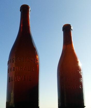 Pivní lahve z měšťanského pivovaru v Českých Budějovicích