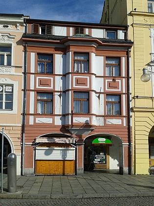 Dům čp. 260 (26) na českobudějovickém náměstí, kde se jeho otec narodil