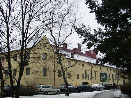 Budova pivovaru v zimě 2013