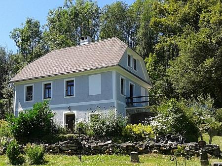 ... kostelníkův dům, v němž je dnes muzeum Johannese Urzidila