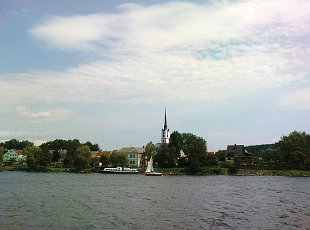 Rodný Frymburk, dnes na břehu jezera