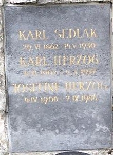 Hrob na vídeňském hřbitově Neustifter Friedhof
