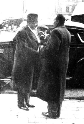 Roku 1937 vítá v Praze švédského geografa a cestovatele Svena Hedina