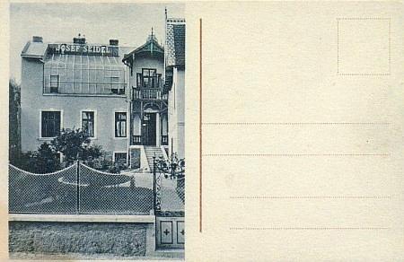 Pohlednice s jeho domem a firmou