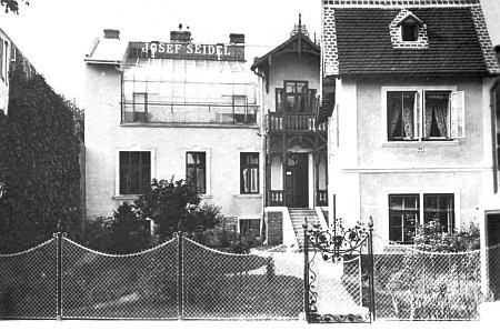 Dům a ateliér v Českém Krumlově, jehož vnější vzhled se dodnes příliš nezměnil (viz i Franz Seidel)