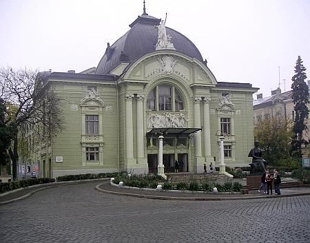 Divadlo ve dnes ukrajinských Černovicích