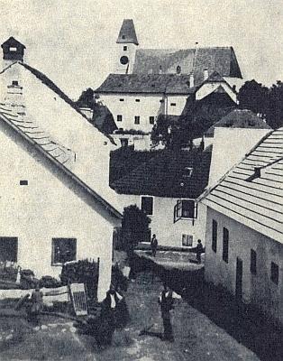 Z tohoto snímku je patrné, že malontský kostel opravdu vévodil okolí