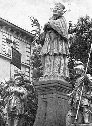 Od roku 1767 stojí na zwieselském náměstí tato socha sv. Jana Nepomuckého