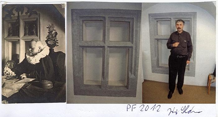 Jeho novoročenka s oknem sálu soběslavského muzea, v němž sedí dědeček Lustig, oděný jako Petr Vok z Rožmberka (nebo snad Jan Jiří ze Švamberka podle toho erbu na stěně za ním?)