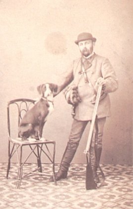 Hostinský Schwab ze Švábova hrádku na snímku českobudějovického fotografa Johanna Gustava Richtera, pořízeném někdy roku 1870, může dokreslit tuto vzpomínku na staré časy