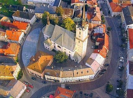 Centrum Rohrbachu, města, kde zemřel