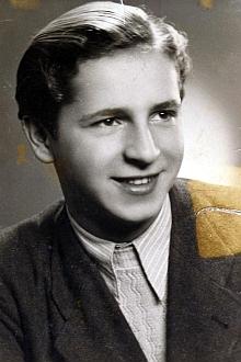 Na snímku z roku 1948