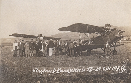 Letecký den v Německém Benešově v roce jeho narození 1929