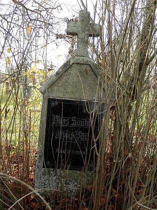 Hrob na želnavském hřbitově