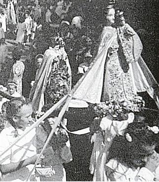 I za války zachytil v roce 1943 jeden vídeňský návštěvník kašperskohorskou pouť k Panně Marii Sněžné, konanou každoročně 5. srpna