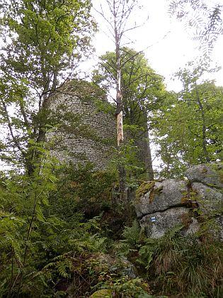 Zřícenina hradu Kunžvart nad Strážným