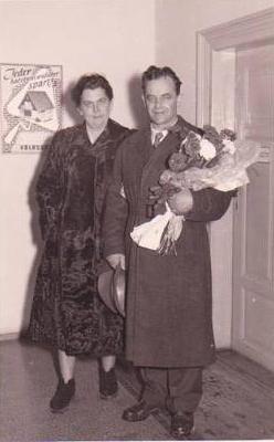 Při návratu z československého vězení v prosinci 1955
