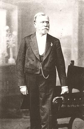 Na snímku z fotoateliéru Langhans