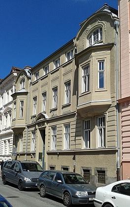 Dům v Riegrově ulici na snímku z roku 2016