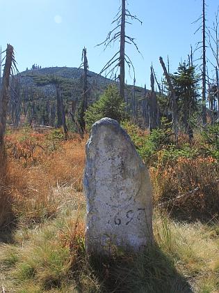 Staré hraniční kameny pod Luzným