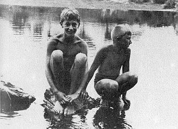 Dva snímky z chlapeckých let