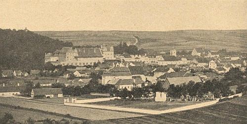 """""""Horšův"""" Týn, město a jeho zámek na obou březích řeky Radbuzy"""