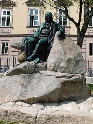 Pomník v Linci vytvořil v roce 1902 Johann Rathausky
