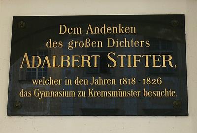 Pamětní deska v kremsmünsterském klášteře