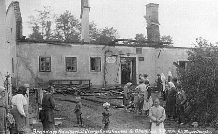 ... a ještě po požáru roku 1934 na snímcích hornoplánského fotografa Mayera