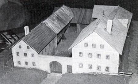 """Model rodného statku čp. 1 v Lopatném, zvaného """"Goschpern Haus"""""""