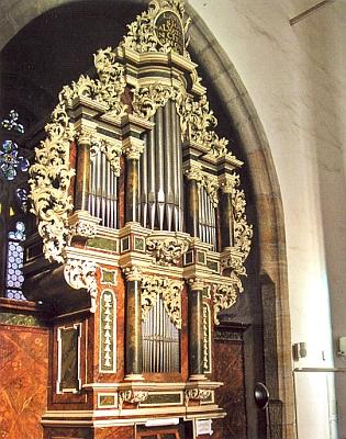 Chórové varhany kostela sv. Víta v Českém Krumlově, původně instalované v kostele sv.Jošta na Latráně, dokončené roku 1716