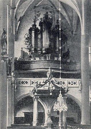 Staré barokní varhany ve svatovítském kostele a novogotické, které je nahradily