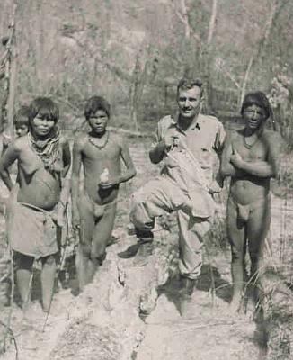 S Indiány kmene Japrerias ve Venezuele, jejichž jazykem hovoří sto lidí, na snímku z roku 1960