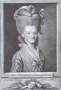 Edmunda Scholzová, manželka Maximiliana Scholze, mnohokrát zmiňovaného ve Strassově textu (oba mají podrobná hesla v české divadelní encyklopedii)