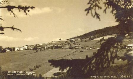 """Tato pohlednice, zachycující rodné Stodůlky, nese firemní označení """"Verlag v. Ign. Straub, Stadln"""""""