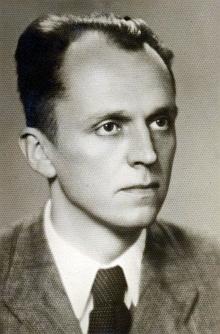 Téměř celostránkový článek o otevření knihovny pro mládež v protektorátních Českých Budějovicích i za jeho účasti, jakož i se spisovatelskými hosty Wilhelmem Pleyerem a Karlem Franzem Leppou