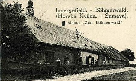Pollaufův hostinec v Horské Kvildě na výřezu staré pohlednice