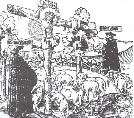 Martin Luther a Jan Hus jako představitelé reformovaného křesťanství na dřevorytu Mistra M. S. ze 16. století v krajině s Kristovým křížem a stádem ovcí v ohrazení prostřed horské krajiny